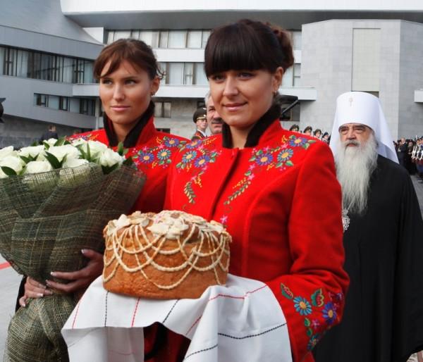 kostyumy_vstrechayushchikh4