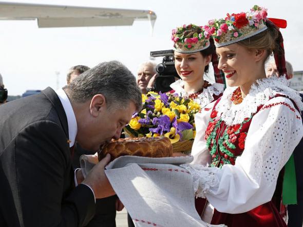 kostyumy_vstrechayushchikh7