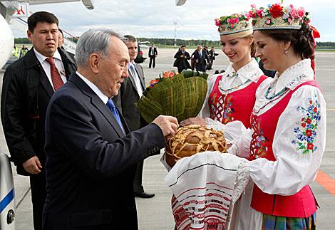 kostyumy_vstrechayushchikh8